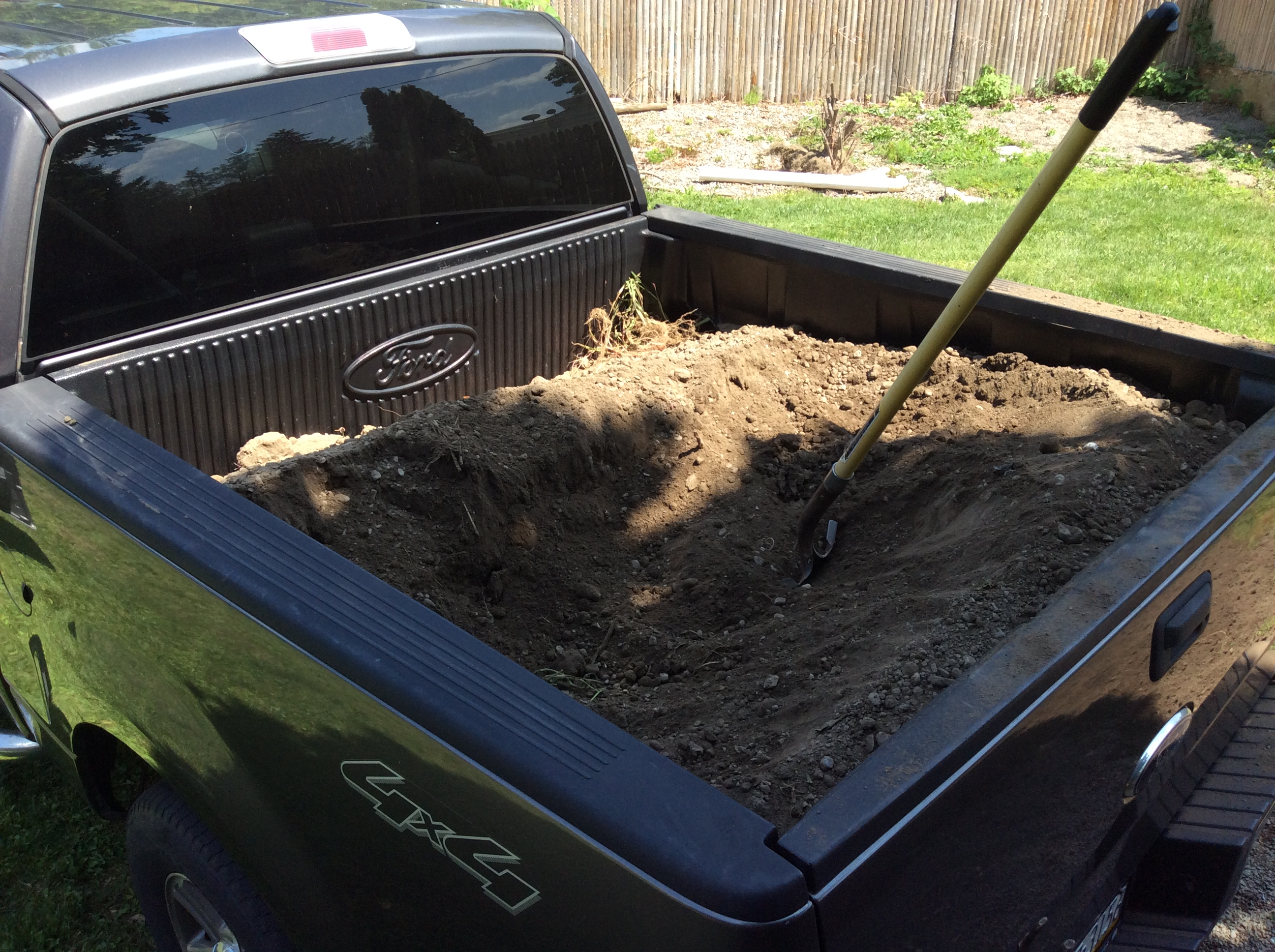 picture of load of dirt